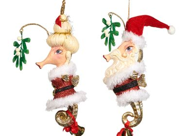 Christmas garlands and baubles - SANTA MISTLET.SEAHORSE COUPLE ORN ASS/2 RD 20CM - GOODWILL M&G
