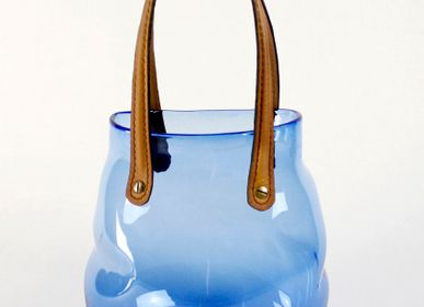 Design objects - Déballe ton sac, blown glass and leather.  - DONZÉ ANNE ET VINCENT CHAGNON