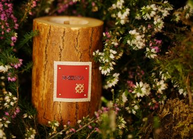 Gifts - SMEREKA S | Wooden candle with beeswax and natural oils | Perfect gifting size - WOOD MOOD