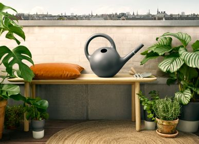Garden accessories - Globe watering can 9l Dark grey - EVA SOLO