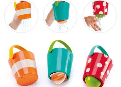 Jouets enfants - Ensemble de seaux colorés pour le bain - HAPE