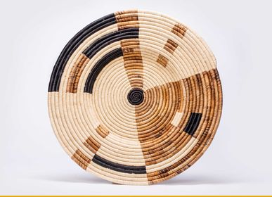 "Other wall decoration - 27"" Extra Large Banana Leaf Mod Woven Wall Art Plate - ALL ACROSS AFRICA + KAZI"