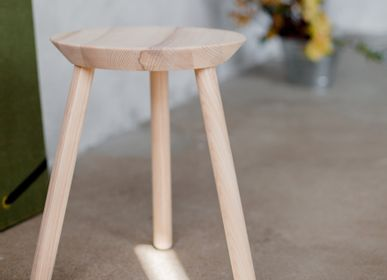 Stools for hospitalities & contracts - Naïve Stool - EMKO