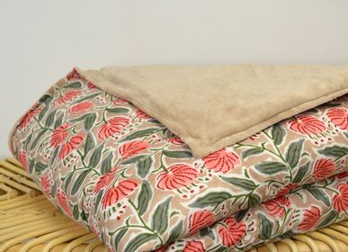 Comforters and pillows - Reversible bed throw in indian velvet and cotton - L'ATELIER DES CREATEURS
