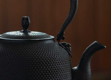 Design objects - Iron teapot japanese - SOPHA DIFFUSION JAPANLIFESTYLE