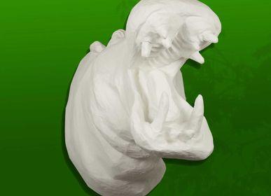 """Autres décorations murales - Trophée d'hippopotame blanc en papier mâché - Sculpture - """"EMMANUEL"""" - MARIE TALALAEFF"""