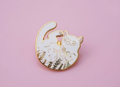 Gifts - White Cat Pin - MALICIEUSE