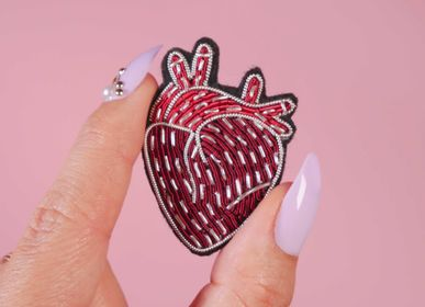 Apparel - Human Heart Brooch - MALICIEUSE