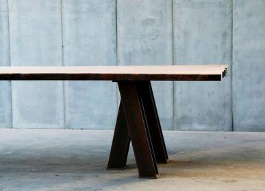 Dining Tables - VIR table - HEERENHUIS MANUFACTUUR