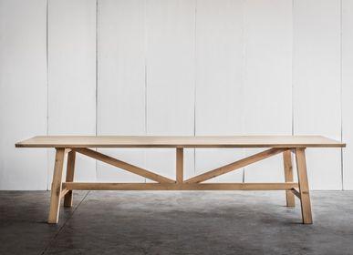 Dining Tables - LARBUS table - HEERENHUIS MANUFACTUUR