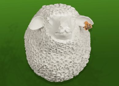 "Unique pieces - Black sheep trophy in papier-mâché - Sculpture - ""LE BIGOUDI"" - MARIE TALALAEFF"