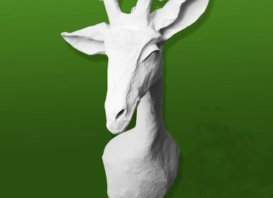 """Autres décorations murales - Trophée de girafe  blanche en papier mâché - Sculpture - """"ELISABETH"""" - MARIE TALALAEFF"""