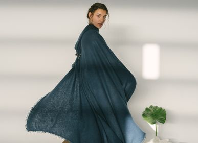Homewear - Open Knited Throw Plain - MIRROR IN THE SKY