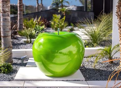 Garden accessories - monochrome-shaded Apple Sculpture - BULL & STEIN