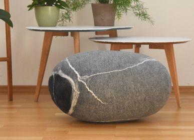 Coussins -  Coussin de sol en laine feutrée, collection Pierre - KAYU