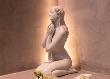 Sculptures, statuettes and miniatures - Inner Peace - Lladró Handmade Porcelain White Matte Sculpture - LLADRÓ