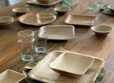 Everyday plates - Set of 10 pcs Square dinner (25x25cm) plate made of fallen leaves - ARECABIO