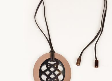Jewelry - Oval pendant in hoof and lacquer - L'INDOCHINEUR PARIS HANOI