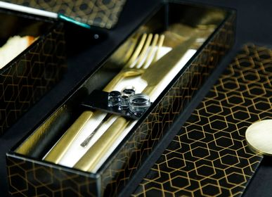 Floral decoration - Long Rectangle Bento Box, black and gold - MYGLASSSTUDIO