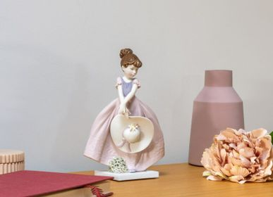Sculptures, statuettes et miniatures - Figurine en porcelaine - Straw hat in the Wind  - LLADRÓ