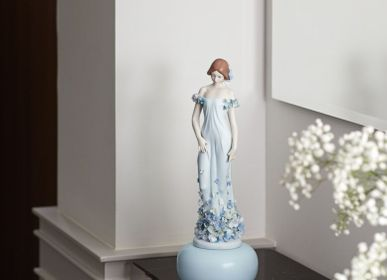 Sculptures, statuettes et miniatures - Collection Haute Allure - Statuette en porcelaine - LLADRÓ