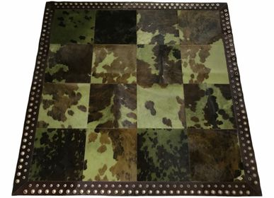 Contemporary carpets - Khaki Norman Cowhide Rug with Plain Chocolate - TERGUS