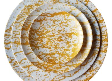 Formal plates - The gold Magma dinnerware set in Limoges porcelain  - NON SANS RAISON PORCELAINE DE LIMOGES