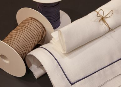 Table linen - American table set White with Piping - 4 pcs - 100% Organic hemp - MYDO.WORLD