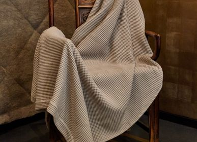 Throw blankets - Waffle Blanket King size 250x200 light beige - 100% Organic Cotton - MYDO.WORLD