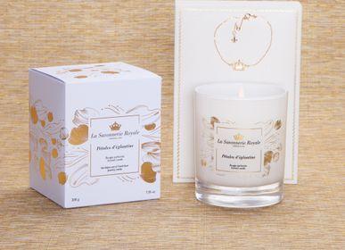 Cadeaux - Bougie parfumée Pétales d'églantine avec un bracelet - LA SAVONNERIE ROYALE