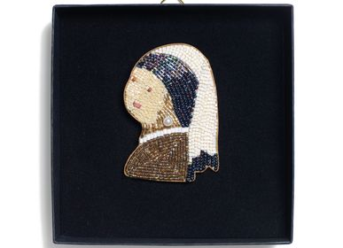 Gifts - Girl with the pearl earring brooch - HELLEN VAN BERKEL