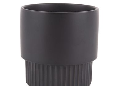 Pottery - Plant Pot Ribbed Large - PRESENT TIME