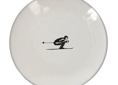 Assiettes au quotidien - Assiette plate design schuss à la montagne - diamètre 19 cm  - CRÉATIONS LÉONIE'S FRANCE