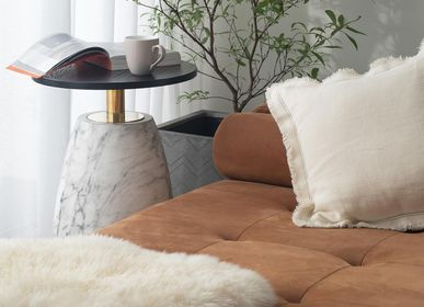 Design objects - Marble accent table with wood top | Pupil - URBAN LEGEND