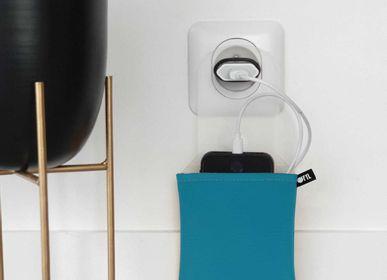 Accessoires de voyage - Support de téléphone range-chargeur Bleu canard - OFYL