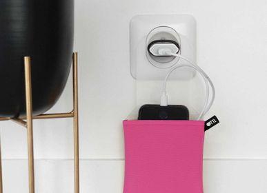 Autres objets connectés - Support de téléphone range-chargeur Fuchsia - OFYL