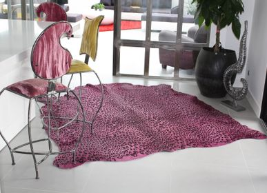 Contemporary carpets - Tinted cowhide with panther prints - TERGUS