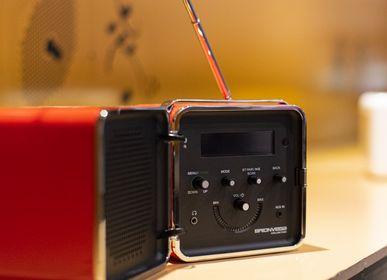 Speakers and radios - radio.cubo 50° red - BRIONVEGA