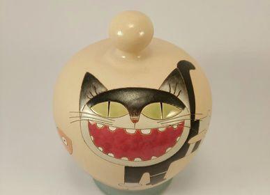 """Ceramic - Piggy bank """"Catch the fish ... that you can"""" - PACHAMAMA DI E. OCCHI LABORATORIO ARTIGIANO DI CERAMICA"""