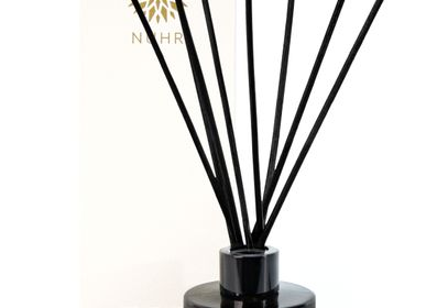 Cadeaux - Oud & Amber Luxury Reed Diffuser - NUHR