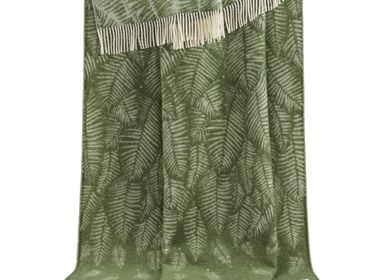 Throw blankets - Green Fern Throw - J.J. TEXTILE LTD