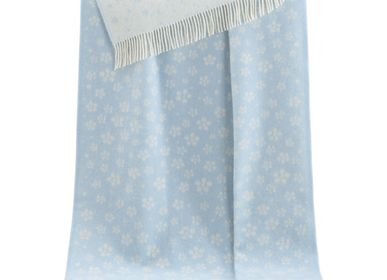 Throw blankets - Blue Floral Throw - J.J. TEXTILE LTD