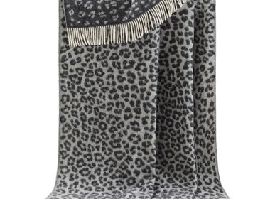 Throw blankets - Black Leopard Throw - J.J. TEXTILE LTD