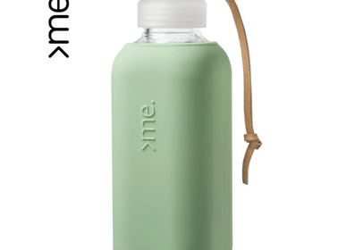 Gifts - REUSABLE GLASS BOTTLE MINT GREEN (600ml)  SQUIREME. Y1 SUSTAINABLE - SQUIREME.