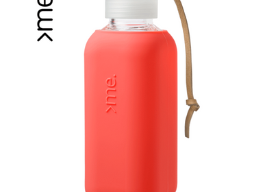 Gifts -  REUSABLE GLASS BOTTLE CORAL (600ml)  SQUIREME. Y1 SUSTAINABLE - SQUIREME.