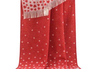 Throw blankets - Red Hearts Throw - J.J. TEXTILE LTD