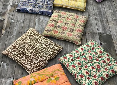 Comforters and pillows - Sari kantha seat pad 40x40 - QUOTE COPENHAGEN