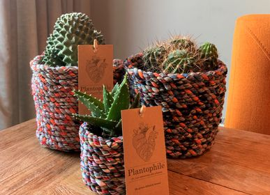 Decorative objects - Cactus or greenplant in a basket of recycled fabrics - PLANTOPHILE