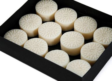 Bougies - Set of 12 Rose & Oud Luxury Melts - NUHR