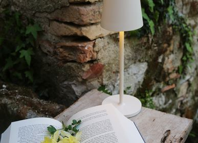 Objets design - Lampe de table LED rechargeable par USB - FIORIRA UN GIARDINO SRL